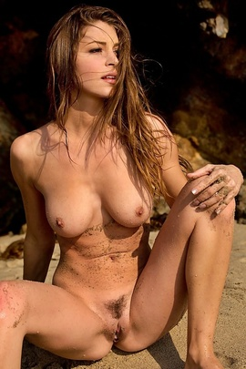 Amber Sym At The Shore